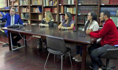 Universidade venezuelana vai formar professores de português à distância